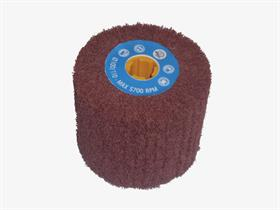 Non-woven fibre flap wheel for satin finishing. - Flap wheels for the light deburring and satin finishing of small and wide surfaces and oxide removal.